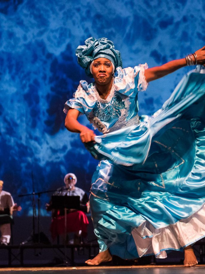 Oyu Oro Cuban Experimental Dance Ensemble, 2016, NALAC Fund for the Arts Grantee